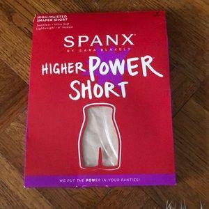 NWT Spanx Higher Power Short